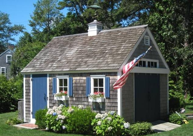 This little Cape Cod beauty has me thinking about lemonade and Golden Retrievers.